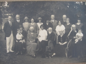 The typical family portrait (Australia c1920)